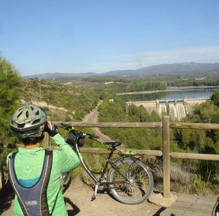 Vía Verde de Ojos Negros completa - ruta en bici autoguiada