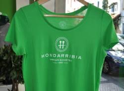 Camiseta Verde de Chica Letras Blancas