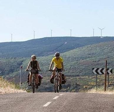 the latest 99782 ccec6 Percorri il Cammino di Santiago in bicicletta, dalal Francia ...