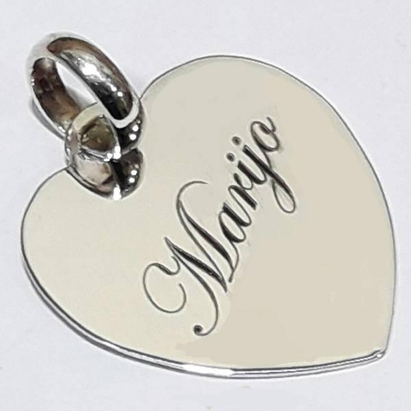 Colgante  corazón de plata de 28 mm